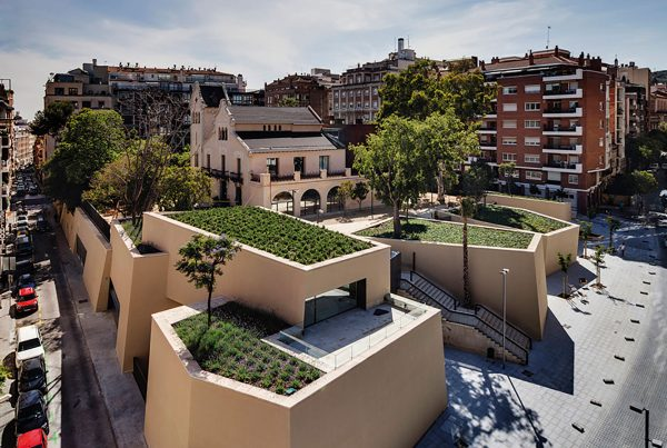 Rehabilitación SATE exterior, Biblioteca Joan Maragall, Barcelona